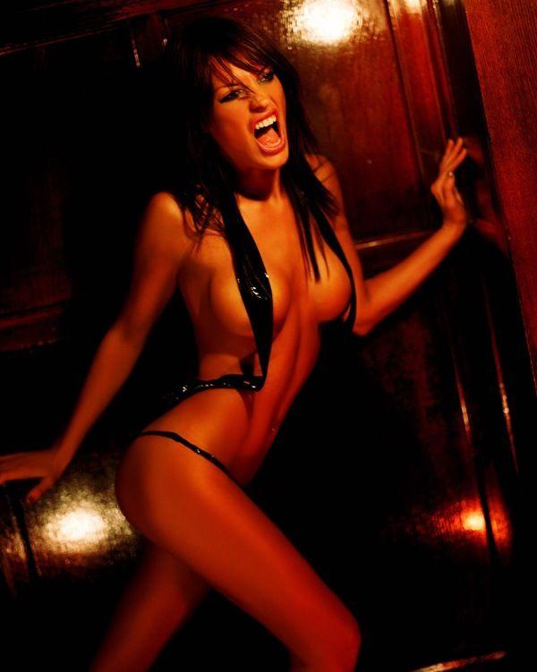 Sexy Nude Jolene Blalock 19