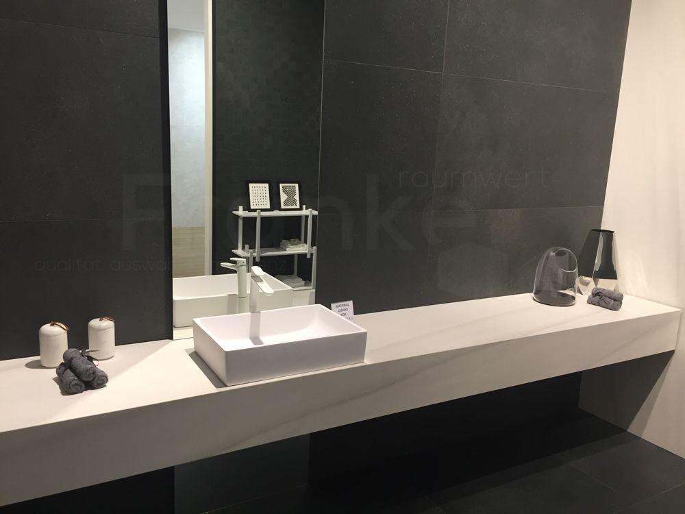 Elegant Und Klassisch Erleben Sie Die Farben Schwarz Und Weiß Im Badezimmer  #Fliesen #schwarz