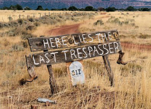 25 Brutally Honest No Trespassing Signs   Things To Make You