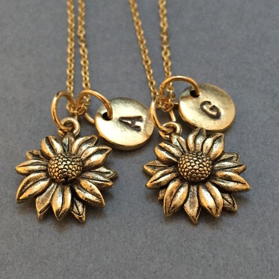 18 Inches Eye-Catching Sunflower Necklace