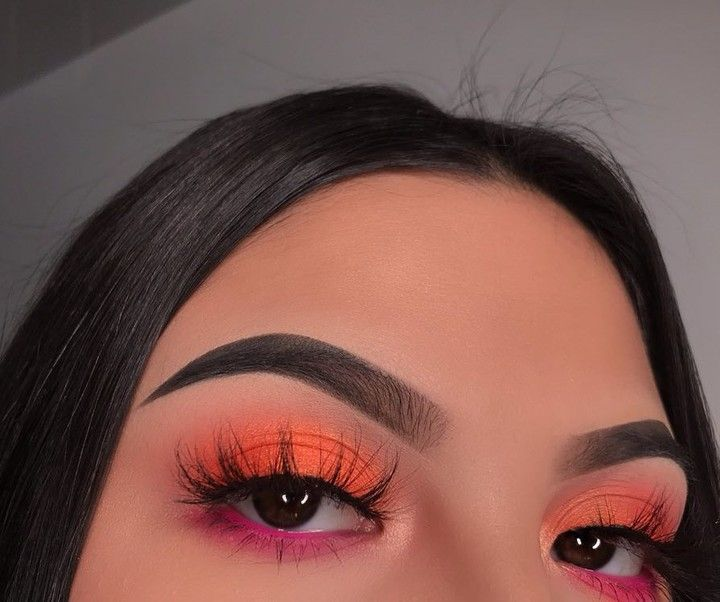 """Photo of NYX Professional Makeup on Instagram: """"@chellylovesmakeup91 achieves this sunset-inspired #EOTD with our new Off Tropic Shadow Palette in 'Hasta La Vista' + 'Shifting Sand' ☀🌴 