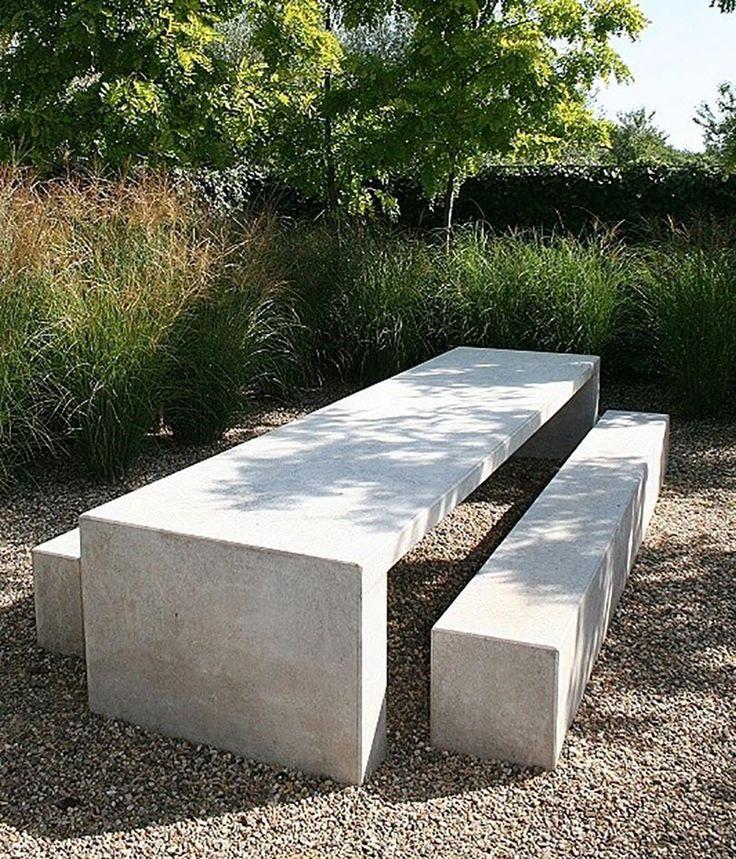 Beton Im Garten In 2020 Betontisch Garten Garten Beton Hintergarten