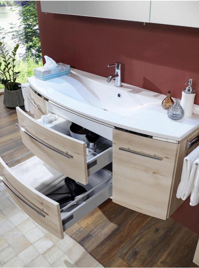 Badezimmer Aus Holz Mit Waschbecken Unterschrank Bad Ideen Bad Einrichten Bad Planen Badezimmerausstattung Badezimmer Badezimmer Bad Einrichten Waschtisch