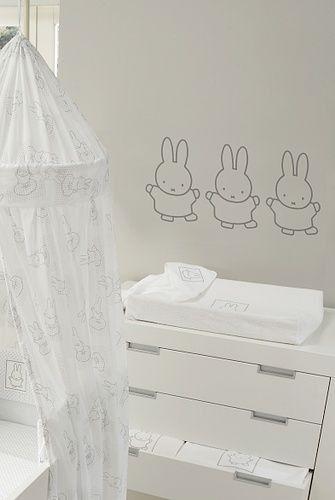 Nijntje muurstickers nijntje pinterest muurstickers babykamer en kinderkamer - Grijs muurschildering ...