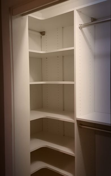 Reach In Closet Small DesignSmall