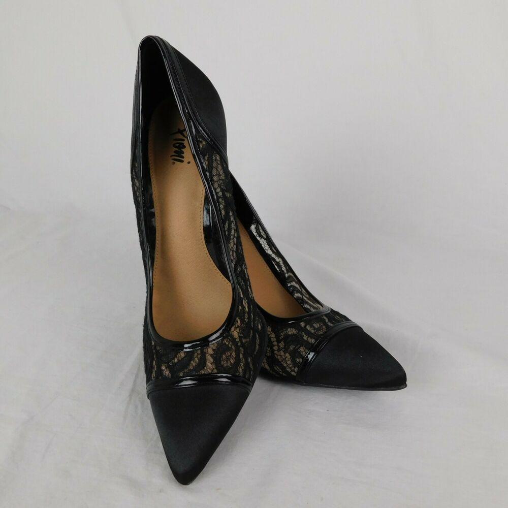 size 2 black pumps