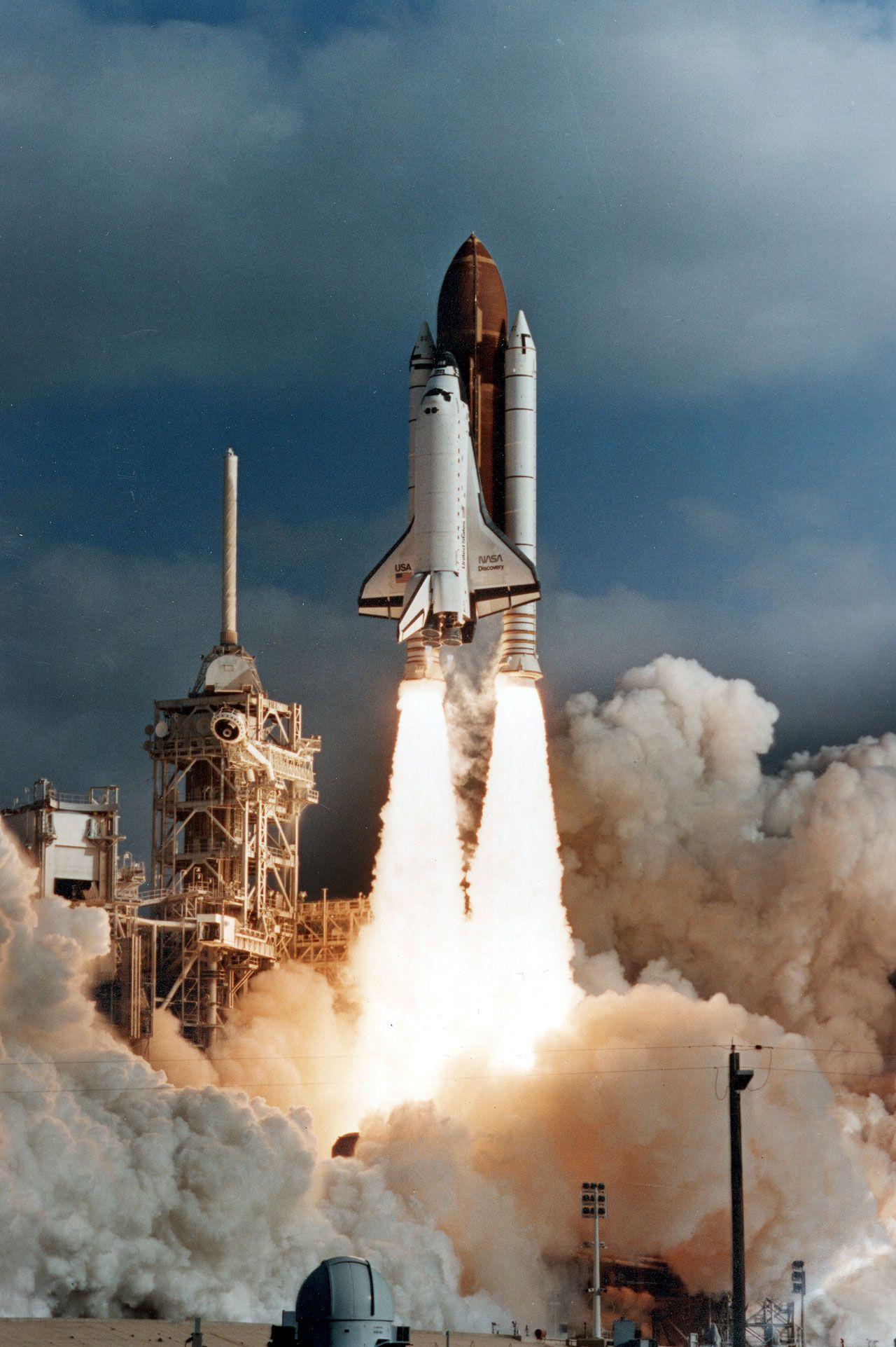 Atlantis Space Shuttle | Cosmos | Pinterest | NASA, Hubble ...