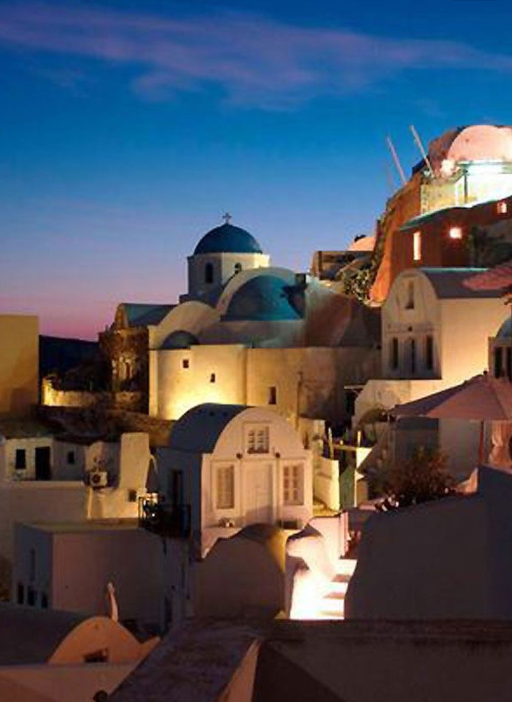 Spectacular sunset views from Oia village in Santorini ...