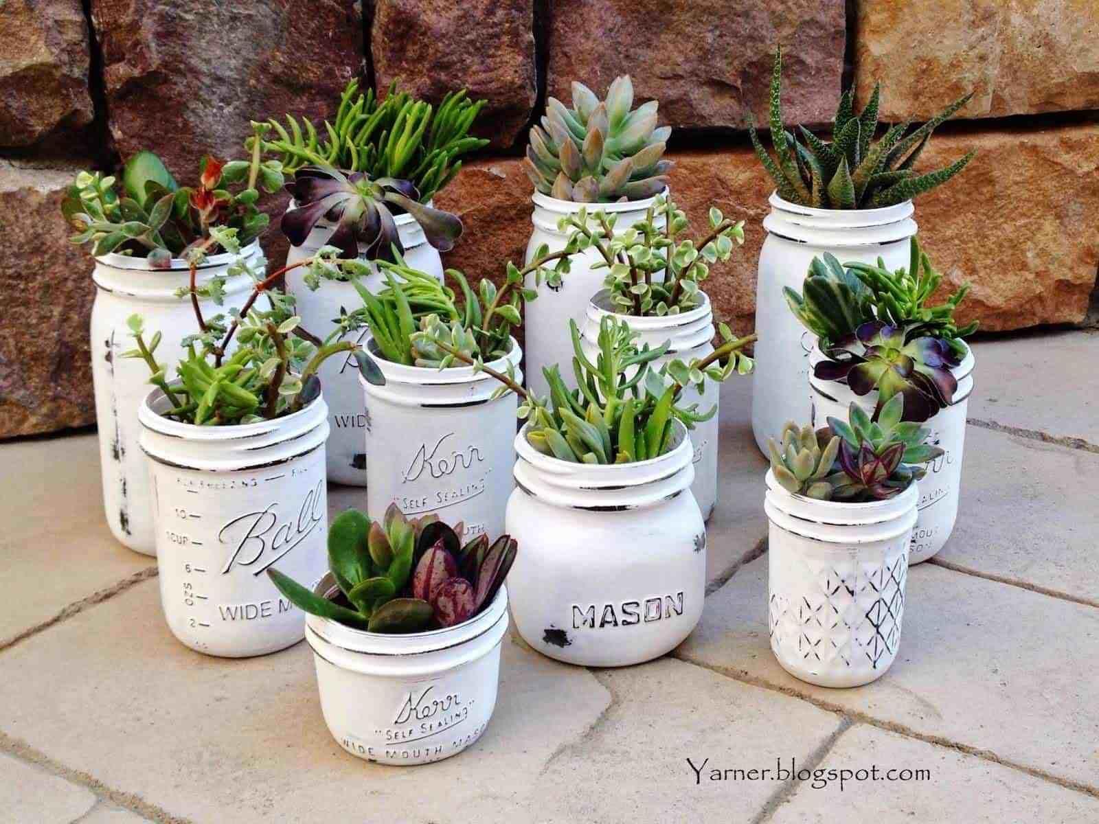 10 Beautiful & Creative DIY Mason Jar Crafts