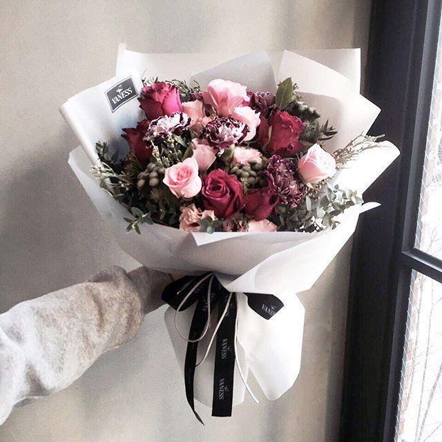 """바네스플라워 플로리스트 이주연 Lee Ju Yeon on Instagram: """"Katalk ID vanessflower52 #vanessflower #vaness #flower #florist #flowershop #handtied #flowergram #flowerlesson #flowerclass #바네스 #플라워…"""""""