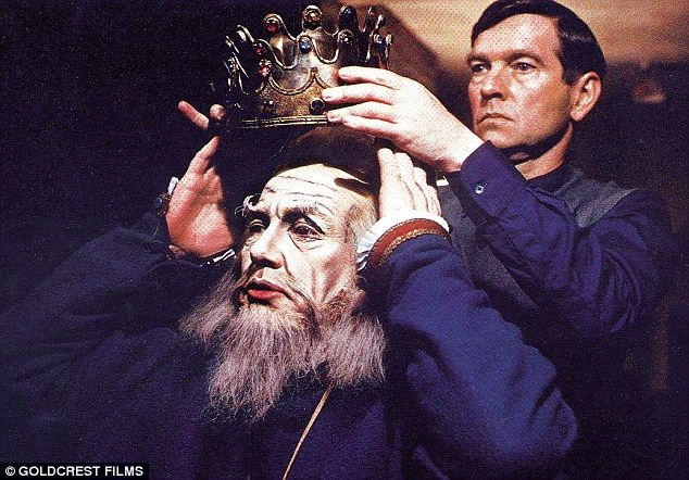 The Dresser, 1983, directed by Peter Yates. Starring Albert Finney, Tom  Courtenay, Edward Fox, Zena Walker, Ei… | Tom courtenay, Best supporting  actor, Sheila reid
