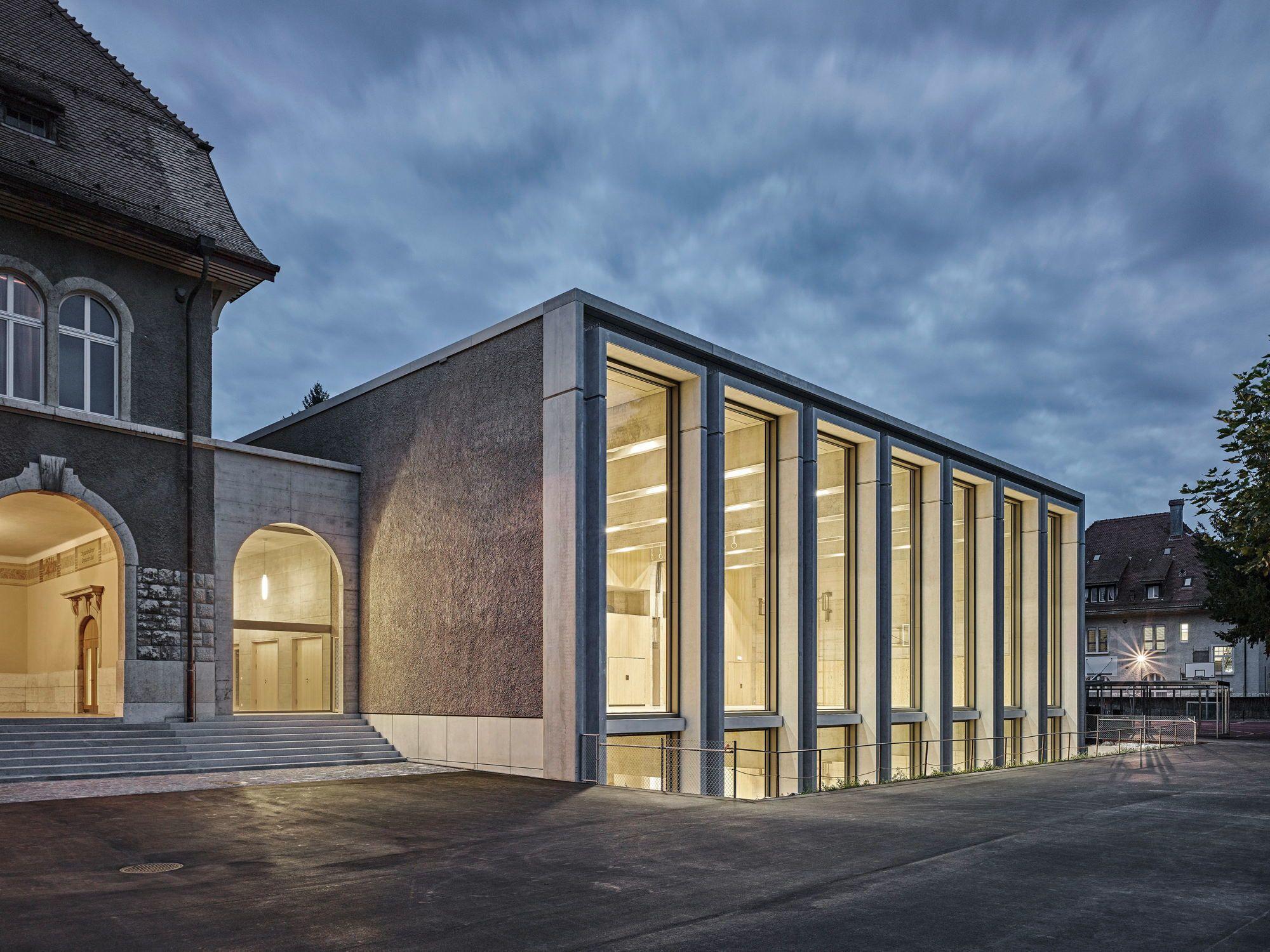 Ehrfürchtig Turnen - Doppelsporthalle von Peter Moor Architekten in ...