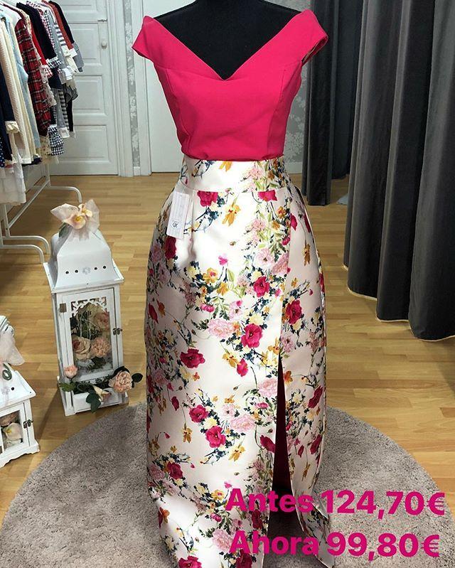 dff75b266a El estampado de esta falda es precioso y con el top fucsia queda genial   invitadaideal  faldaslargas  estampadosflorales  rebajas  modaespañola ...