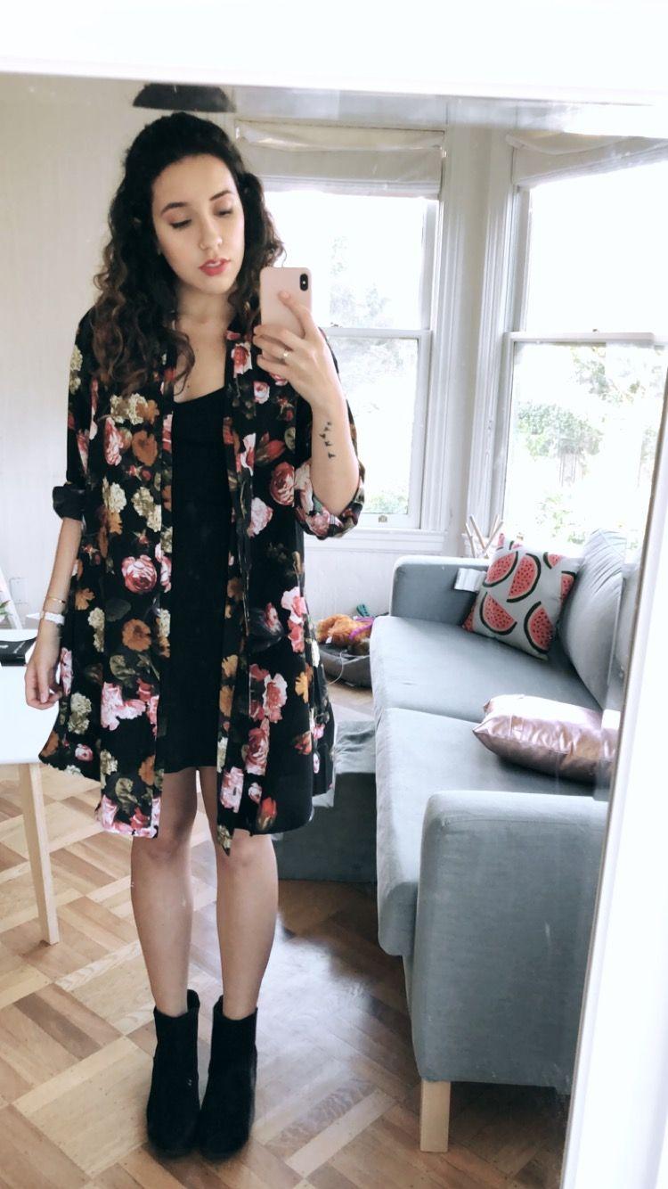 d7a542319e Bruna Vieira veste look de vestido preto com kimono floral ...