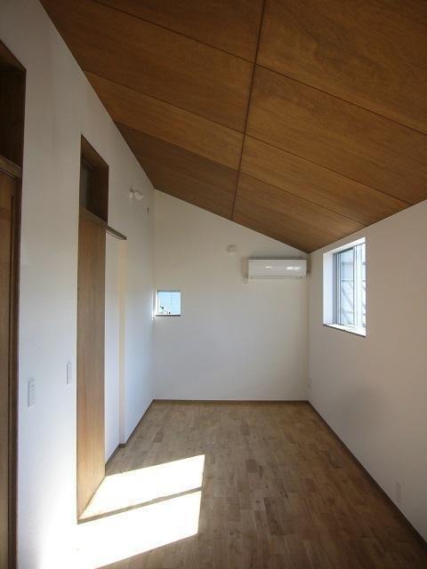 2階の子供部屋です Br まだ二人の男のお子さんが小さいので