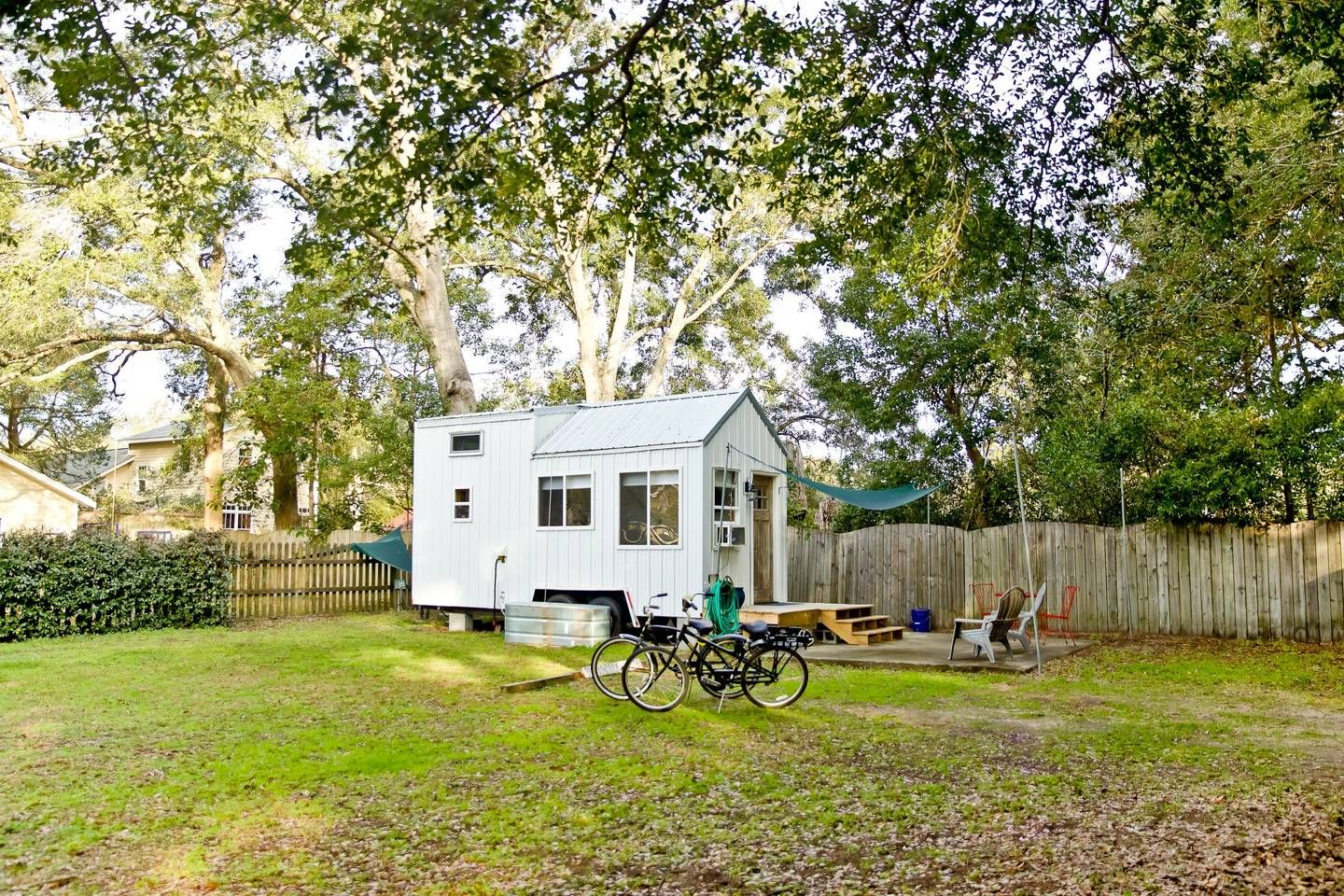 The Rustic Oak Cottage Tiny Houses For Rent In