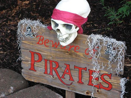 Homemade pirate sign Pirate halloween, Halloween ideas and - halloween pirate decorations
