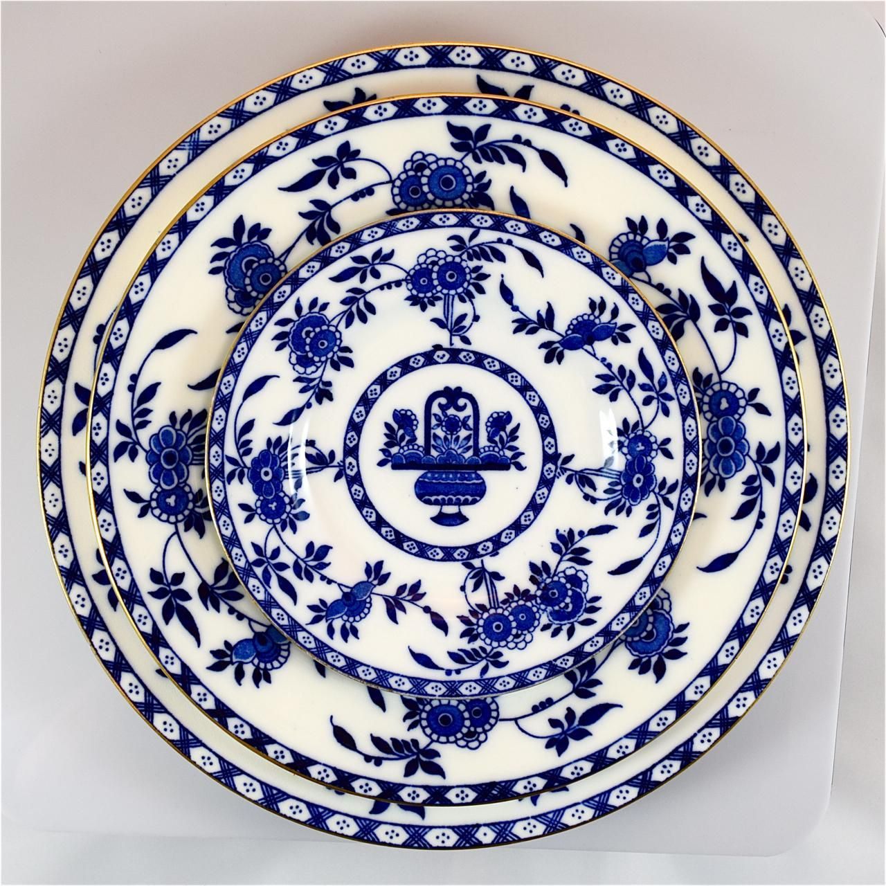 11 MINTON Delft lunch plates #G1613  sc 1 st  Pinterest & 11 MINTON Delft lunch plates #G1613 | Delft and Urn