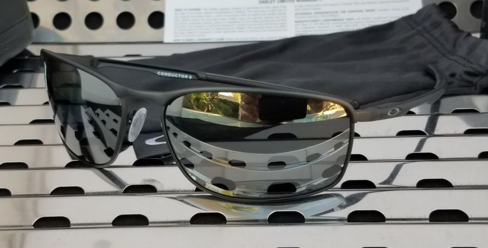 001bd66c7d New Oakley CONDUCTOR 8 Sunglasses 4107-02 Matte Black   Black Iridium  Polarized