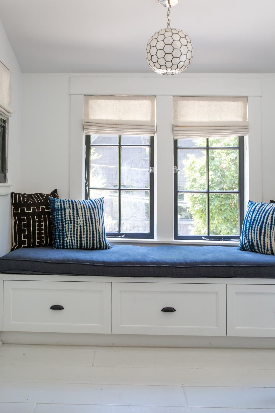 Hgtv Small Spaces Living Rooms: 10 Ways To Add Bungalow Charm Inside And Out