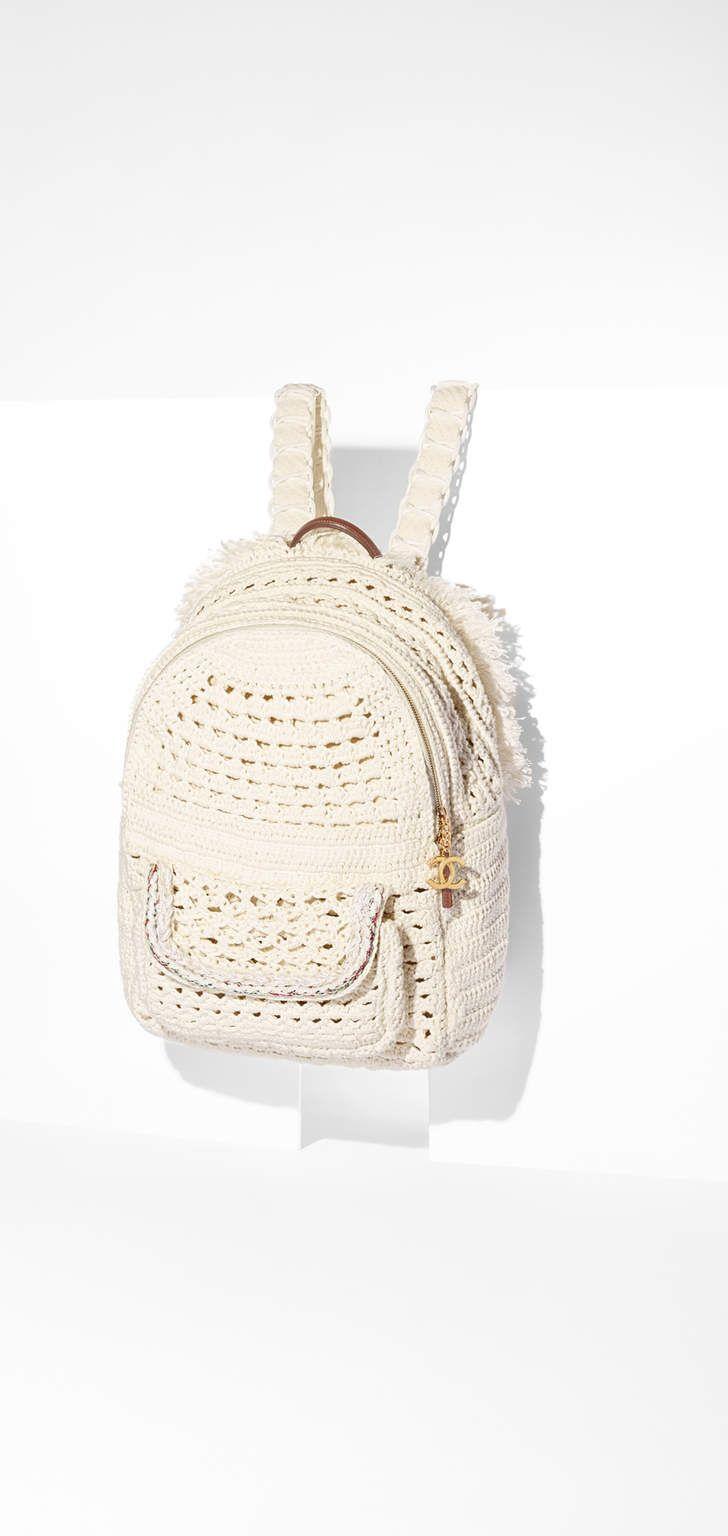 Mochila, crochê, trança & metal dourado-branco - CHANEL | Ganchillo ...