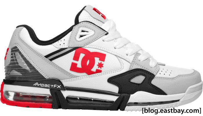 the best attitude f1da9 6b569 red white and black SNEAKERS   DC Shoes VersaFlex for the hubby