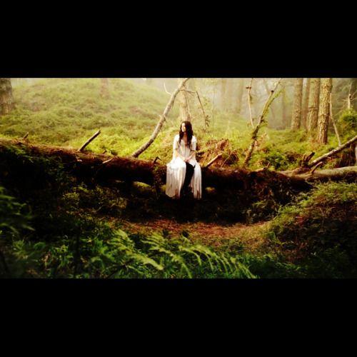 itsagoodinsane:  indigoisbetter:  Top Five Favorite Kahlan Screencaps two | Broken 2x03