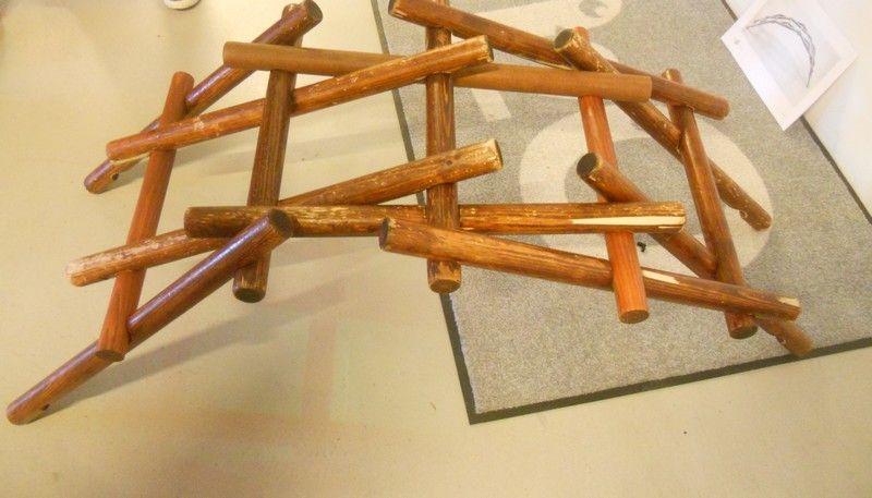 Pont Autobloquant En Bois Tel Que Dessine Par Leonard De Vinci Wood Furniture Clothes Hanger Hanger