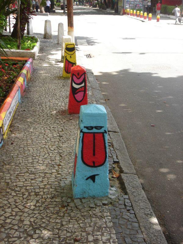 Sidewalk guards in Rio