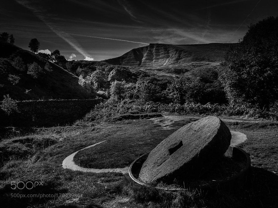 RT: #photography #blackandwhite #photos #photo : Mam Tor by mb-design https://t.co/8bRBBzwM1D via SoleClick #followme #photography