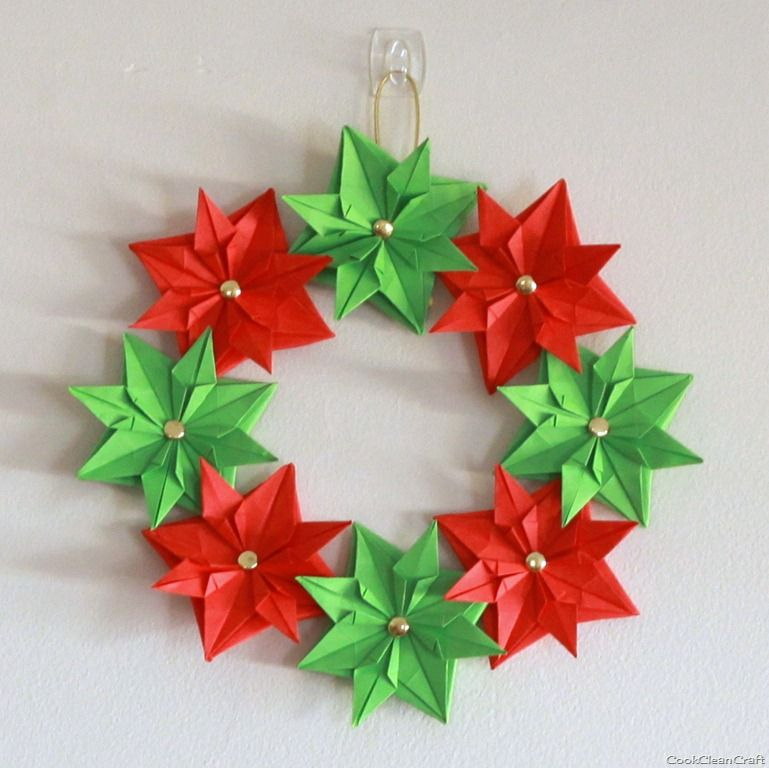 Paper christmas wreath mini tutorial origami christmas christmas paper christmas wreath mini tutorial a great way to learn origami mightylinksfo