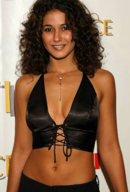 Emmanuelle Chriqui are you afraid of the dark