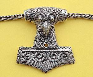 Viking art had many styles of decoration. This included decoration of jewelry, ornaments, woodwork, and lots more.