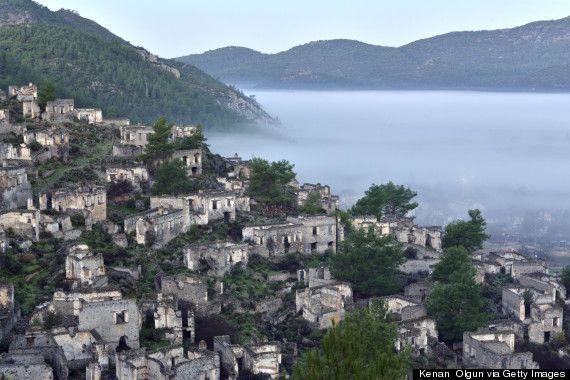 El pueblo fantasma de Kayaköy, en Turquía  http://www.huffingtonpost.com/2014/10/07/kayakoy-rent-turkish-ghost-town_n_5810780.html