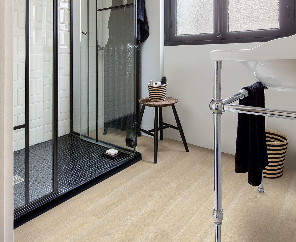 Houten Vloer Badkamer : Laminaat badkamer laminaat eiken eiken licht vloeren badkamer
