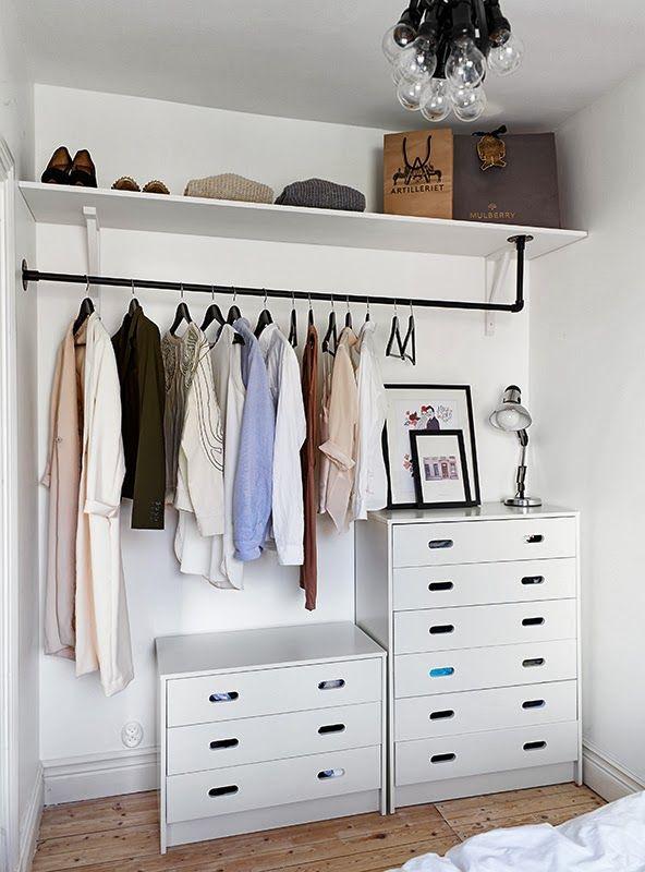 La Maison D Anna G Small Space Living Good Examples Amenagement Dressing Idee Dressing Faire Un Dressing