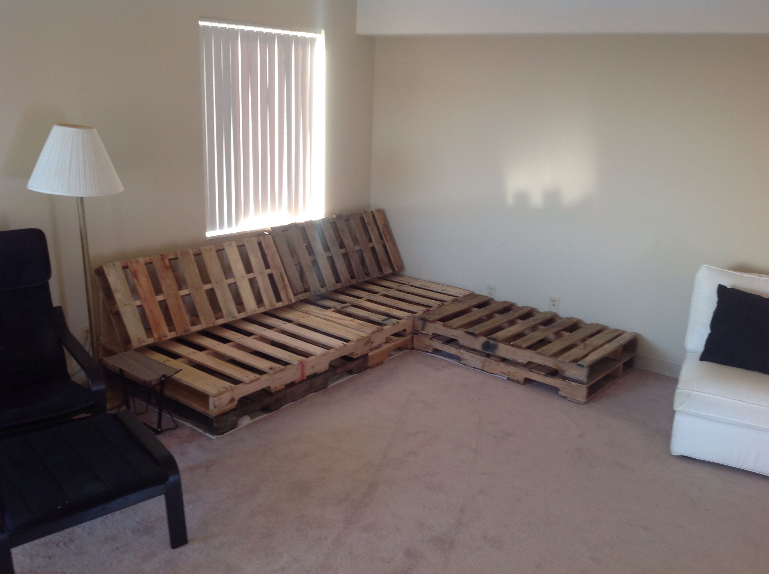 Diy Pallet Couch With Chaise Lounge Cushions Are In Production