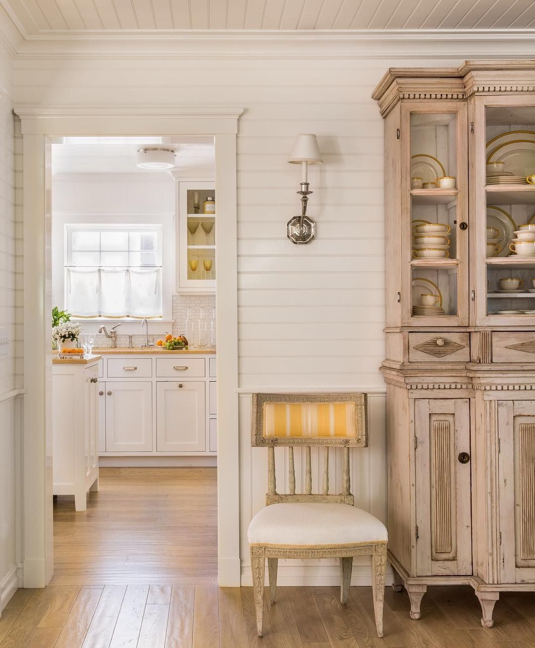 yellow and white never goes out of style photo by lisaromerein on kitchen interior yellow and white id=28414