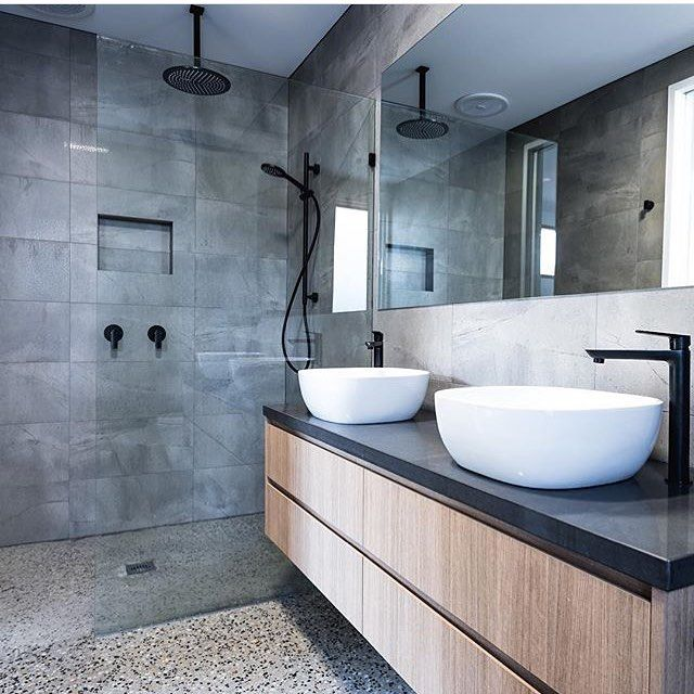Bathroom Interiordesign Ideas: Concrete Tiled Walls With Matte Black Rainfall Shower Head