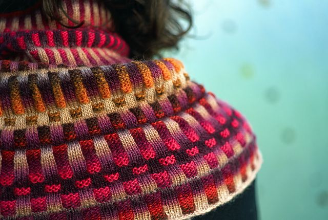 Inspira Cowl By graphica - Free Knitted Pattern - (ravelry) | I love ...