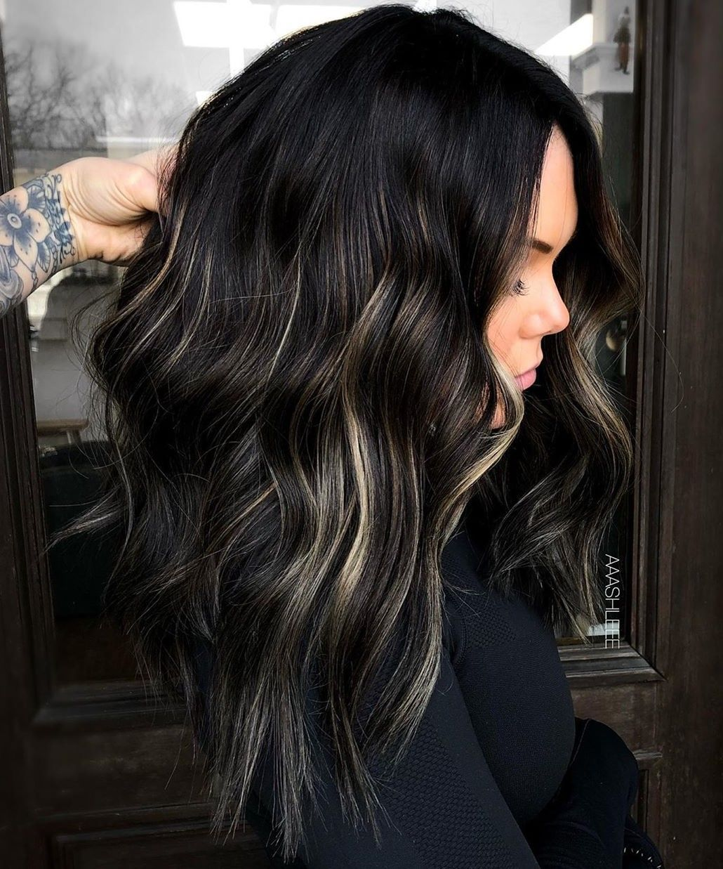 30 Ideas of Black Hair with Highlights to Rock in 2021 – Hair Adviser