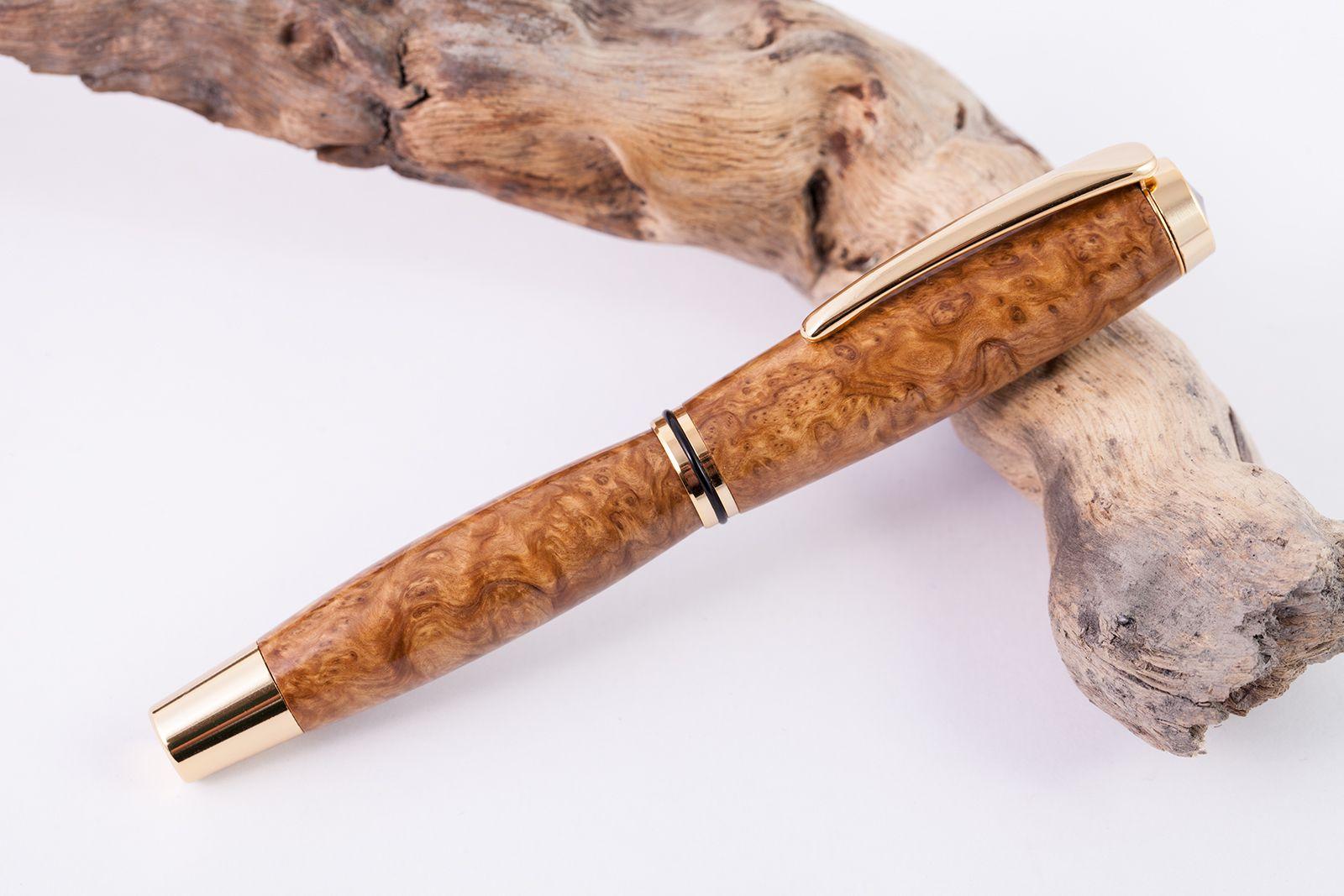 Füllfederhalter aus Brown-Mallee Maserholz Füller geschlossen