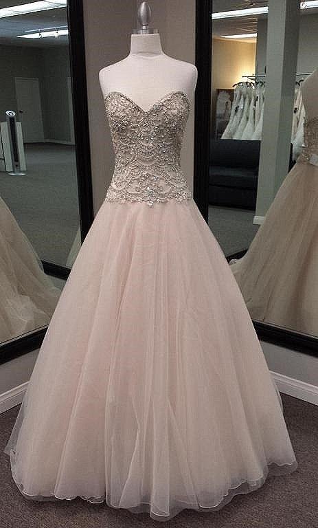 Pronovias Bolera, $1,899 Size: 10 | New (Un-Altered) Wedding Dresses
