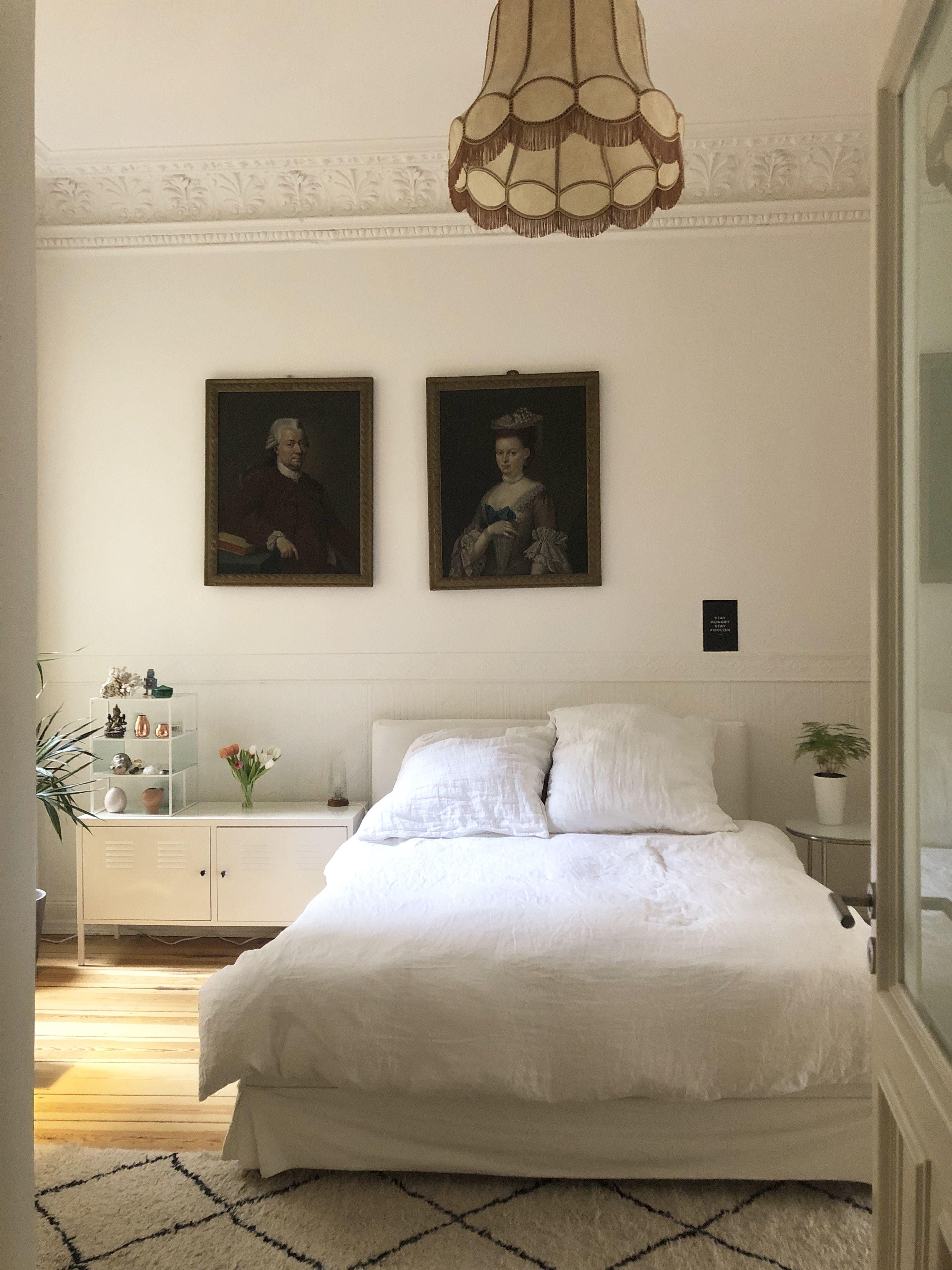 Heller Boden, viel Licht, weiße Möbel, weiße Wände, weiße