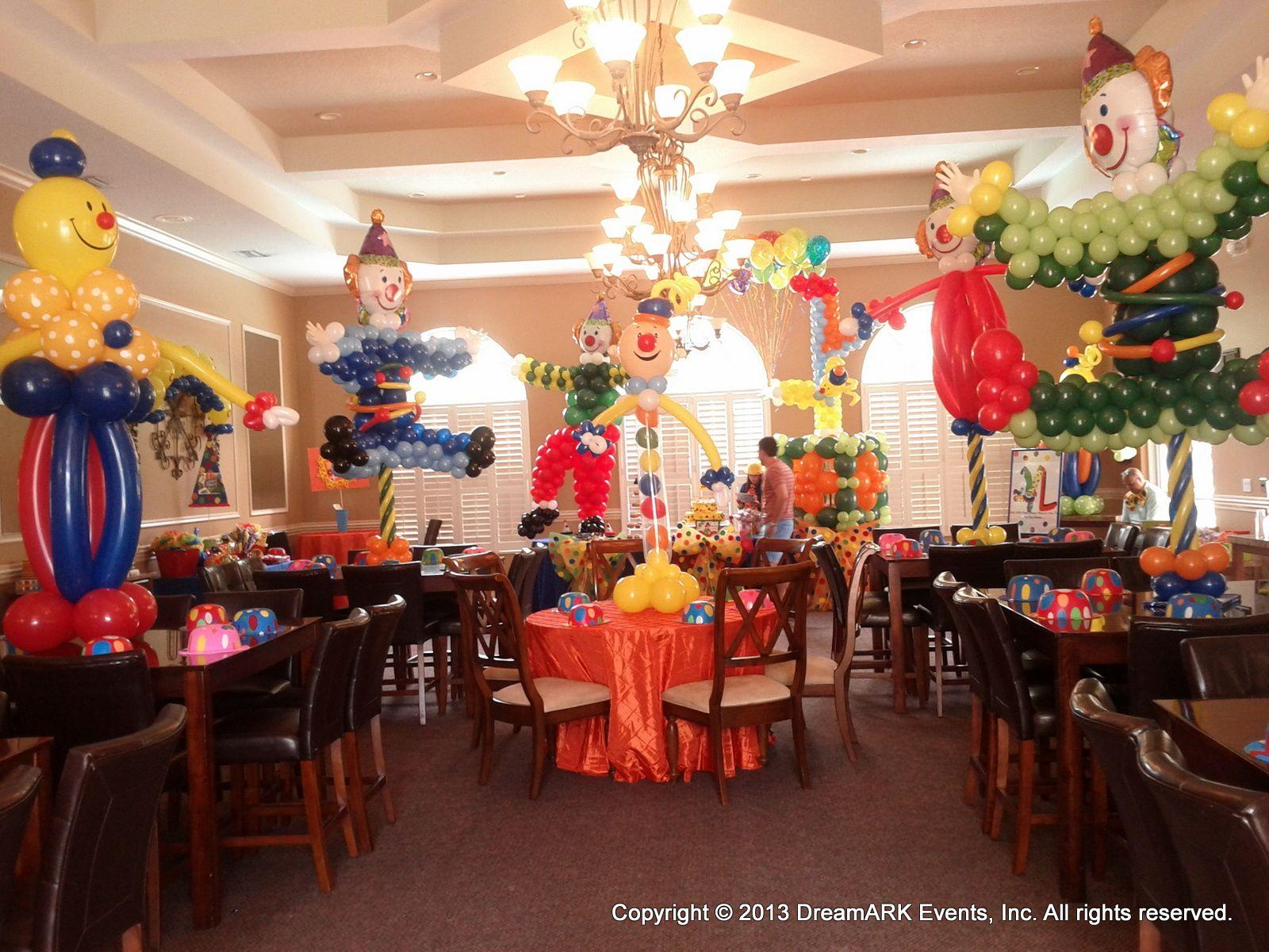 Clown balloon decoration centerpiece for circus theme