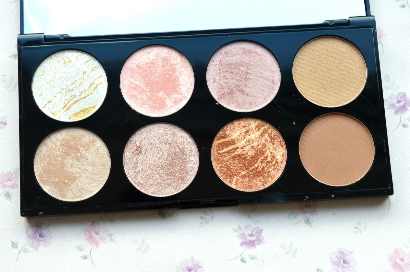 Review and Giveaway Makeup revolution, Makeup, Beauty
