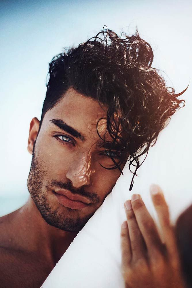 Social networks are full of hot guys images – but how do you become one of them? Above all, you should consider starting with your hair. That is why we suggest to your attention a trendy set of men's hair styles that will never go unnoticed! Use your imagination and our help to get to the top! #hotguys #hairstylesformen #menshairstyles