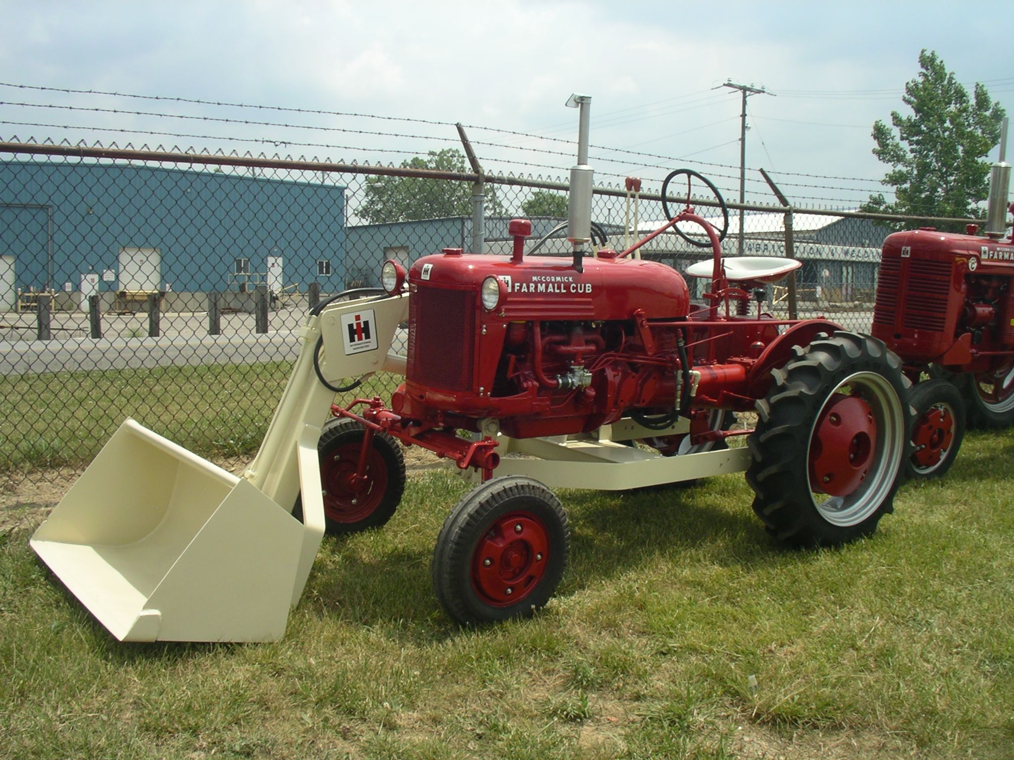 1952 Farmall Cup With Ih No 1000 Loader Farmall Tractors Farmall Tractors