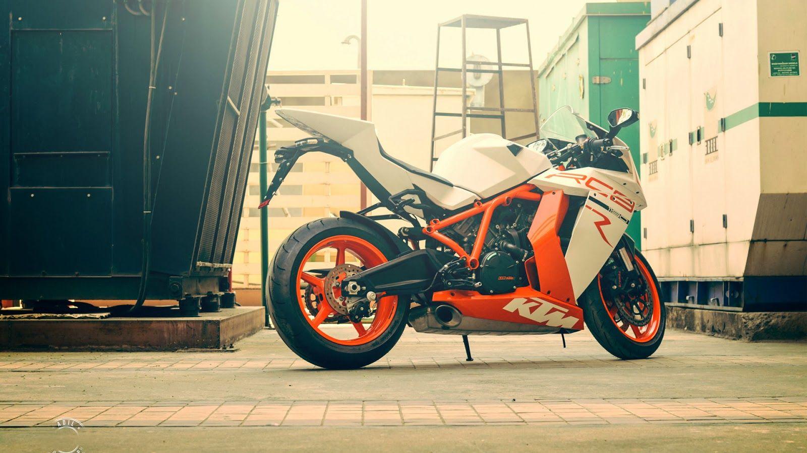 Http Hdwallpapersgalaxy Blogspot Com 2014 02 Ktm 1190 Rc8 Heavy Bike Hd Wallpaper Html Motorcycle Wallpaper Motorcycle Bike