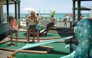 Mini Putt Putt Kids Activities At The Sandpiper Beacon Panama